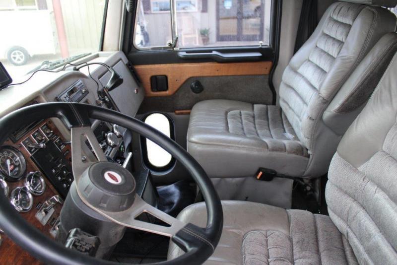 1999 Peterbilt 330 Schwalbe Truck