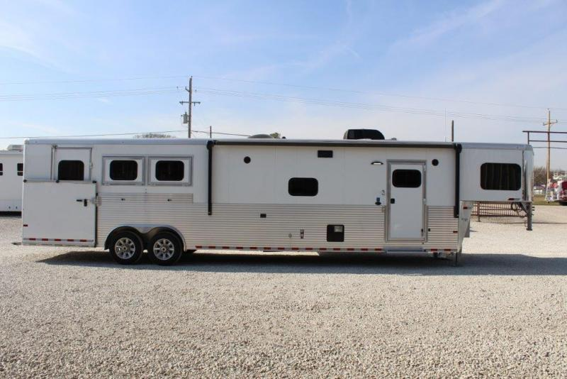 2018 Sundowner 3 horse with 15' LQ with Slide Out
