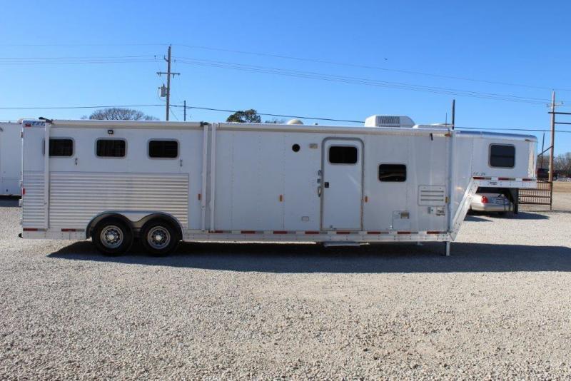 2003 Exiss Trailers 14 living Quarter Horse Trailer