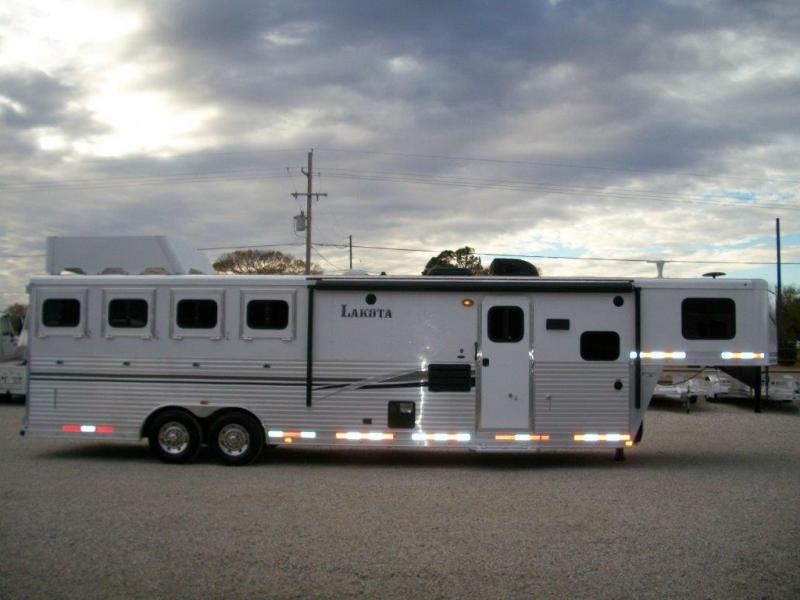 2014 Lakota 4 horse with 11' LQ