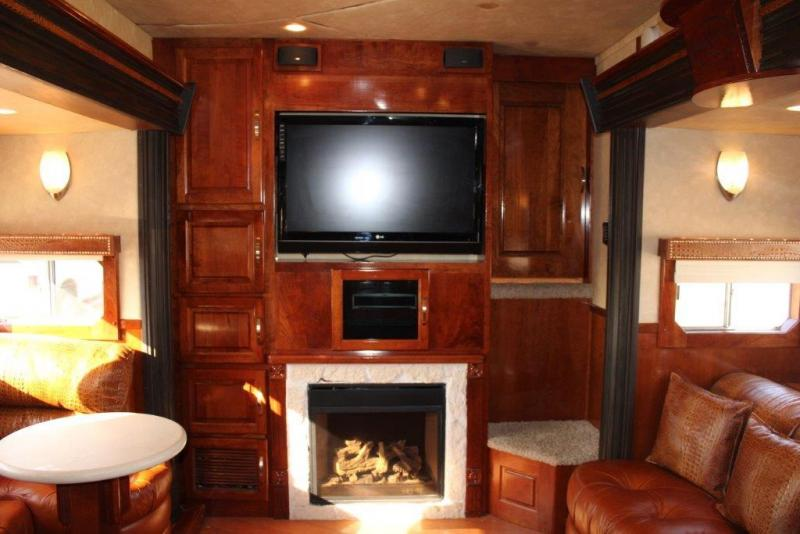 2008 Sundowner 3 horse with 27' Living Quarter