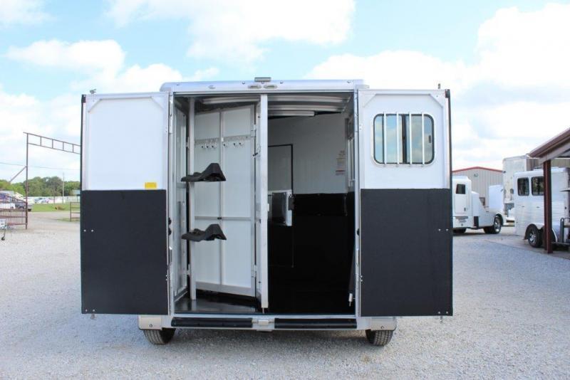 New 2018 Sundowner Horse Trailer In Pilot Point Tx