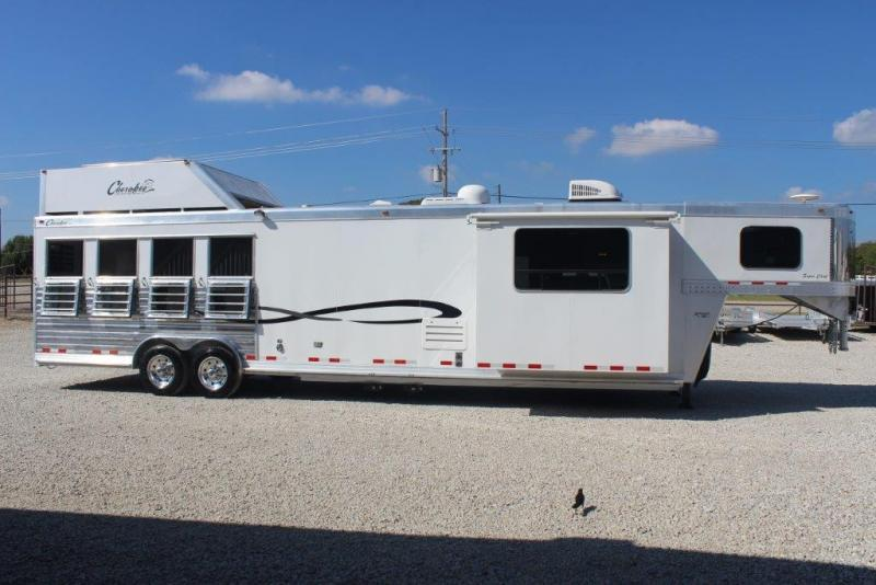 2014 Cherokee 4 horse with 15' Living Quarter