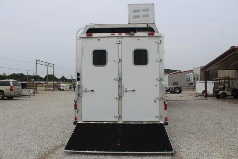 2012 4-Star 4 horse with 21' LQ with slide out
