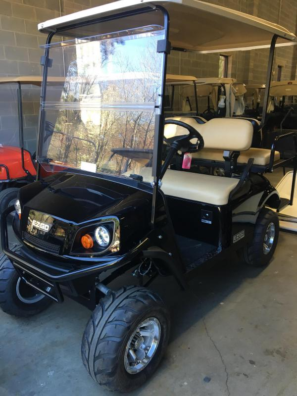 2017 E-Z-Go Express S4 (Gas) Golf Cart