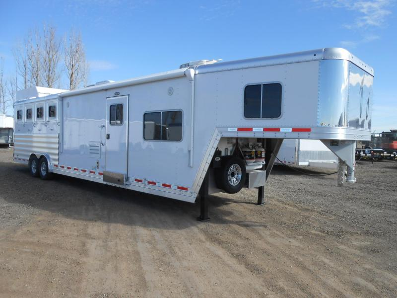 2017 Featherlite 9821 4 Horse 15 Living Quarter Trailer
