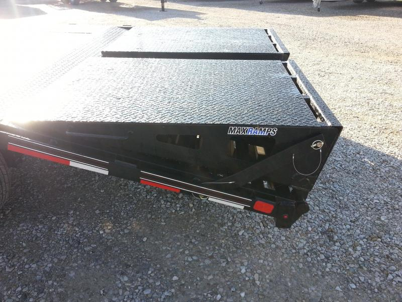 2018 20+5 15.5k Diamond C FMAX207 Equipment Trailer. 98551
