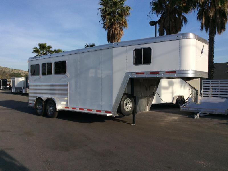 2017 Featherlite 8541 3 Horse Slant Load Trailer