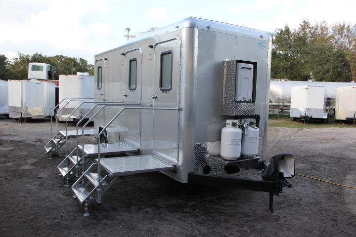 Restroom Trailers | Right Trailers | New And Used Cargo and ...