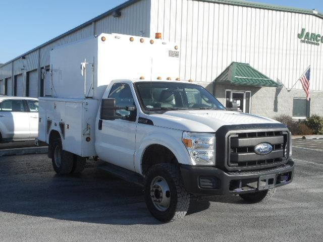 2011 Ford F-350 Dual Rear Wheel 4X4 with 154225 milesTruck