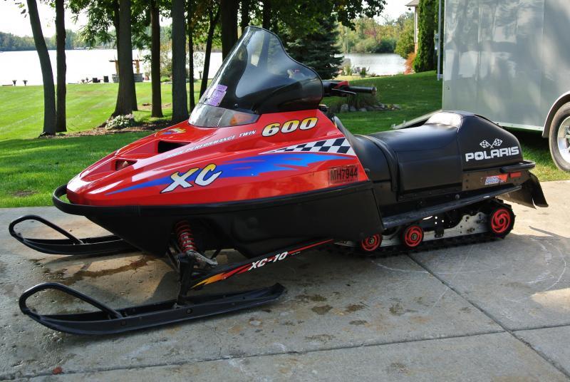 1999 Polaris Indy 600 XC SP Snowmobile