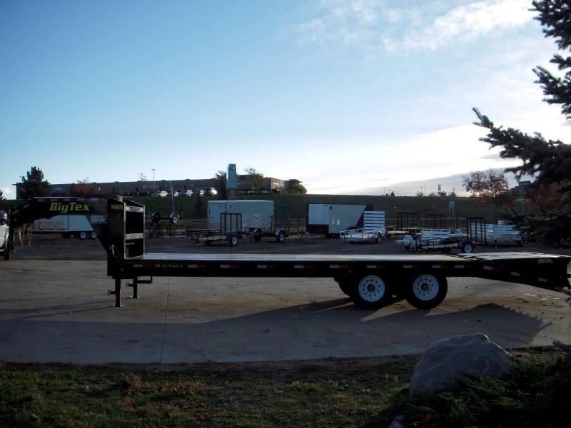 2018 Big Tex Trailers 14GN-20BK+5MR Flatbed Trailer