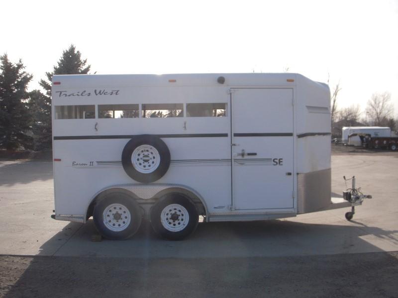 2002 Trails West Manufacturing BARON2HS Horse Trailer