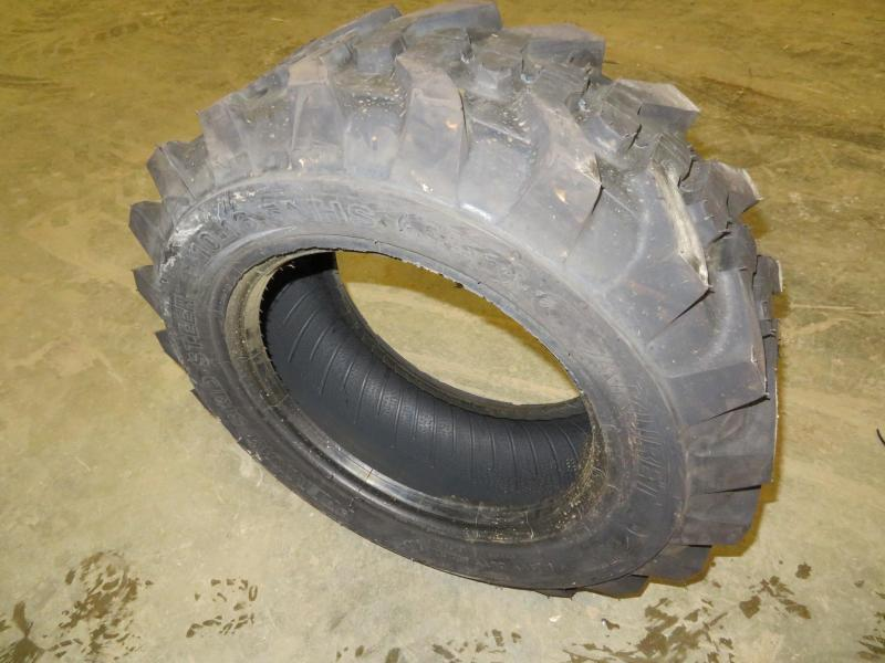 Unused Akuret 10 - 16.5 Premium Skid Steer Tires