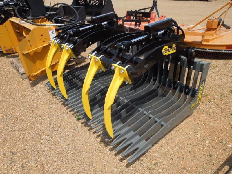MDS Cobra Brush Master + Brush Bucket for Loader