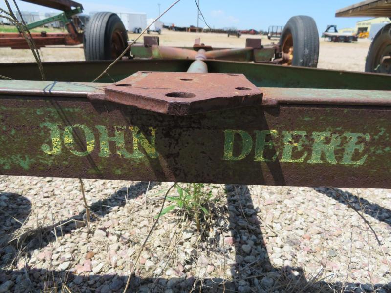John Deere 953 Running Gear | Farm Equipment and Trailer