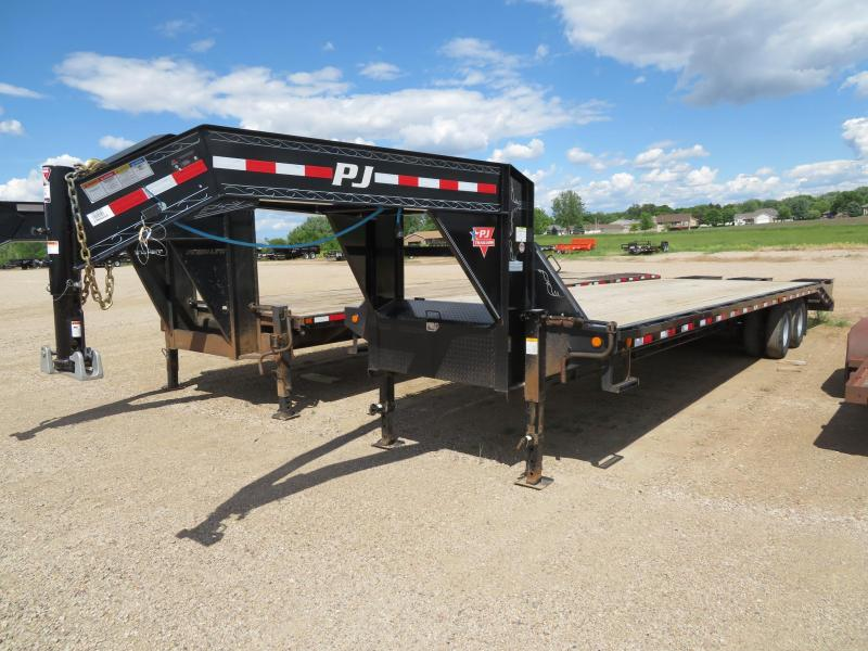 Used 2018 PJ Trailers 32 Tandem Dual GN Trailer