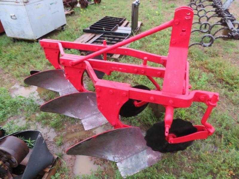 Used Massey Ferguson 3 Bottom Plow - 3 Point