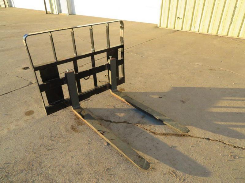 Used MDS Pallet Forks 5200 # for Loader