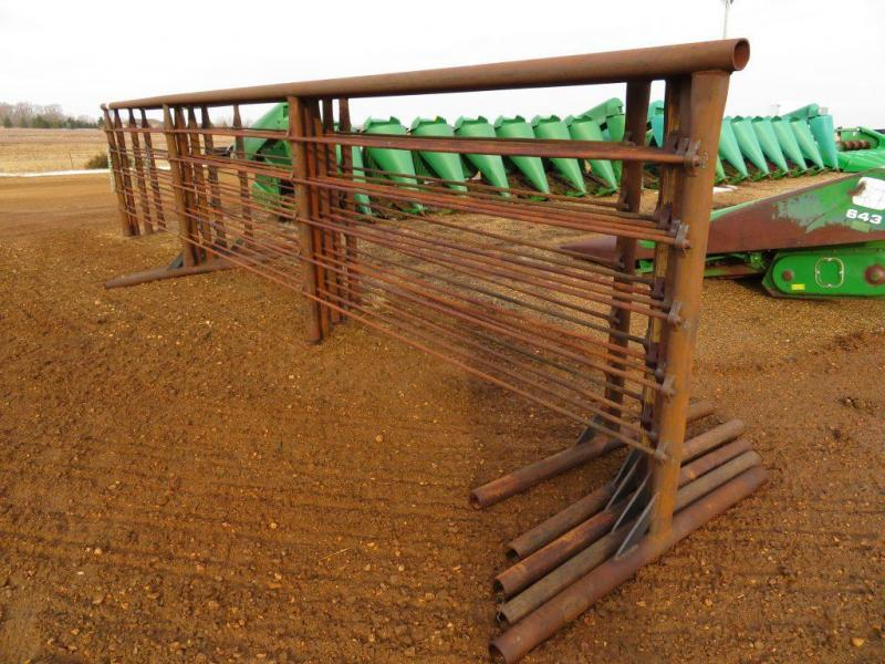 Wolles Mfg. 5 x 24 Free Standing Corral / Cattle Panel - Other