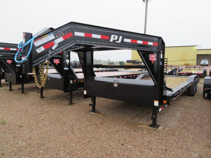 2020 PJ Trailers 26 Drive-Over Fender GN Trailer | Farm