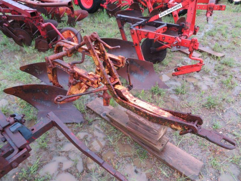Used Allis Chalmers 2 Bottom Snap Coupler Plow