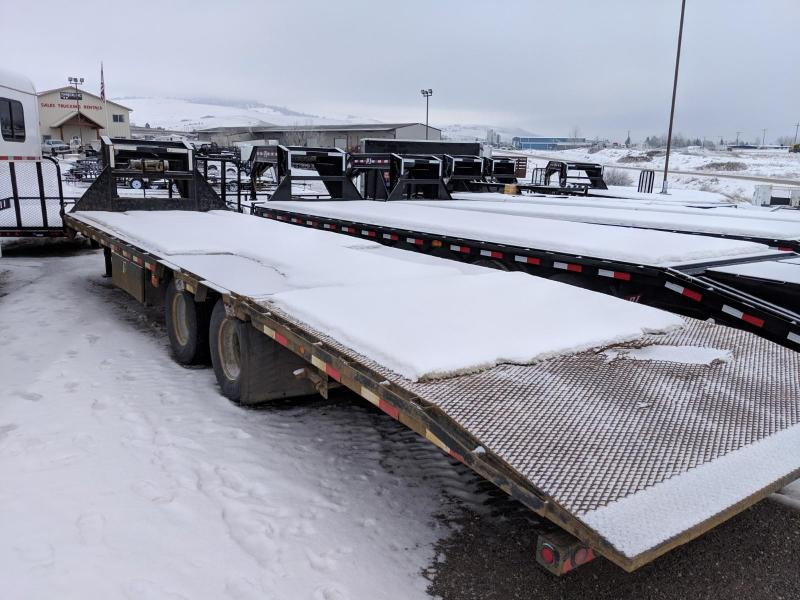 2008 Load Max Hydraulic Dovetail GN Flatbed Trailer 30'