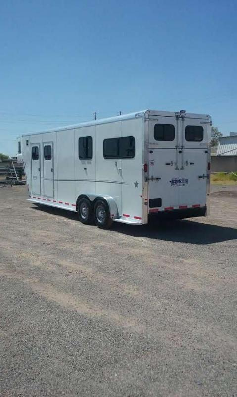 2017 FRONTIER 2+1 GN WARMBLOOD HORSE TRAILER