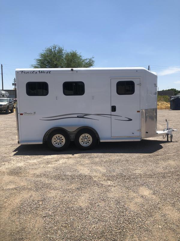 2019 Trails West Manufacturing CLASSIC II BP WARMBLOOD SIZE Horse Trailer