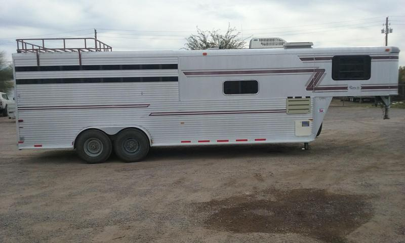 1995 Sundowner Trailers 1995 SUNDOWNER SUNLITE 4H SLANT W/ 6 FULL SELF-C Horse Trailer