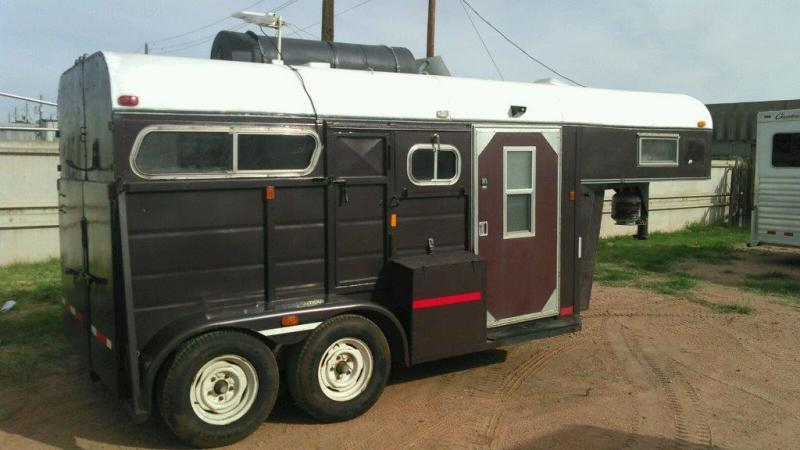 1986 CUSTOM ADAM 2H GN CONVERTED TO ALL LQ Horse Trailer