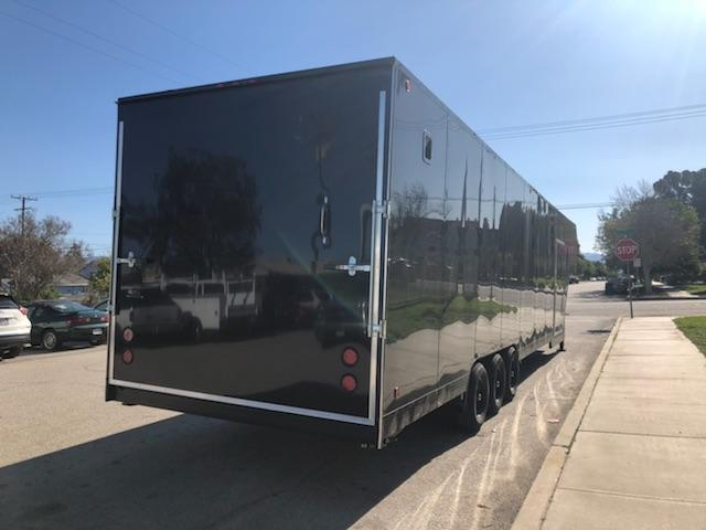 2019 SKY 8 1/2 X 32 X 8 Enclosed Gooseneck Trailer