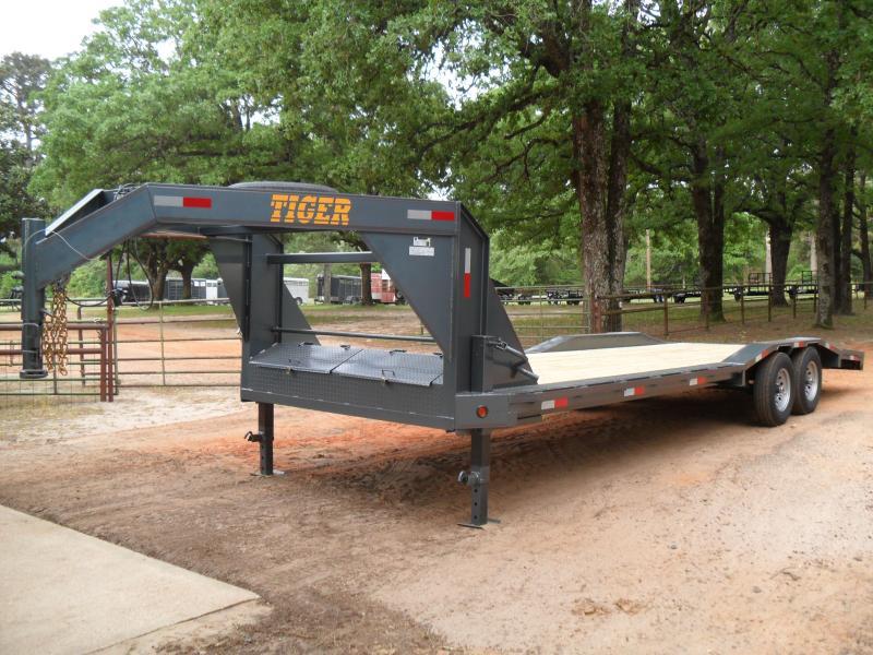 2019 Tiger 26 Drive over fender Equipment Trailer