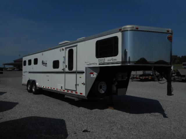 2005 Sundowner 8310 3H Horse Trailer