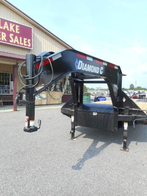 2019 Diamond C  32' GN Hydraulic Dovetail Equipment Trailer