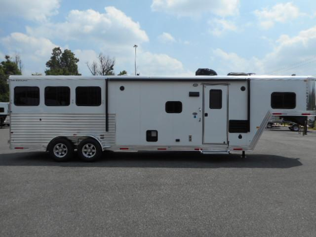 2017 Merhow 7311 W/Slide Alumastar 3H GN Horse Trailer