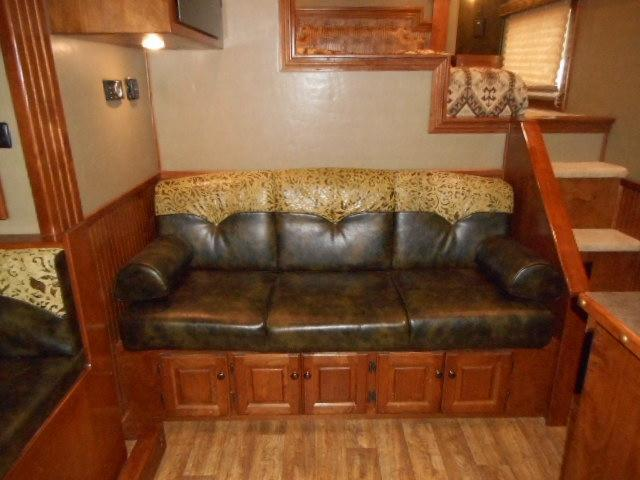2014 Sundowner 4H W/ Slide Horse Trailer
