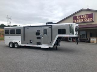 2019 Merhow Trailers 7309 RK-S Horse Trailer