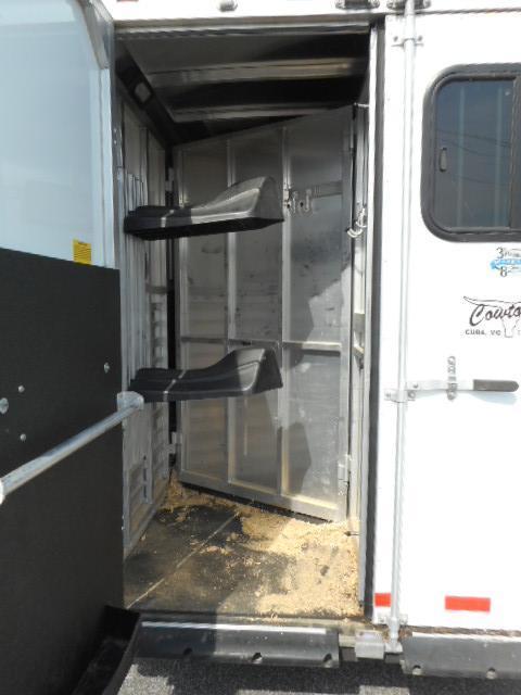 2012 Sundowner 6906 2H Horse Trailer