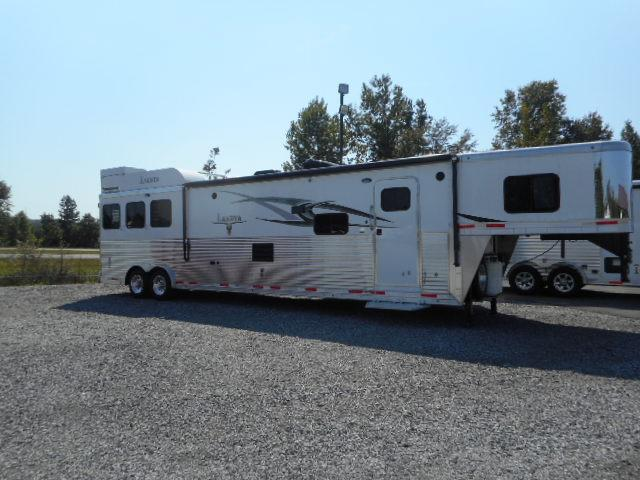 2015 Lakota Big Horn 8317 Horse Trailer