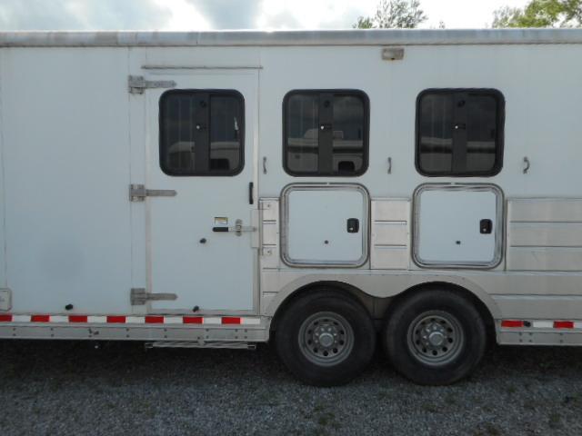 2006 Kiefer Built Genesis E-S103 Horse Trailer