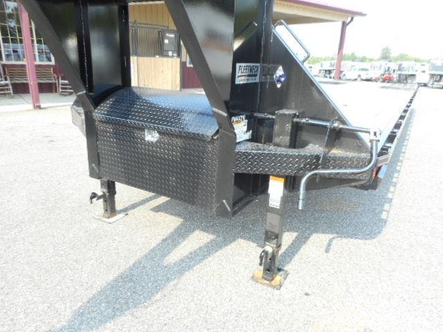 2019 Diamond C 32 Hydraulic Dovetail GN Equipment Trailer