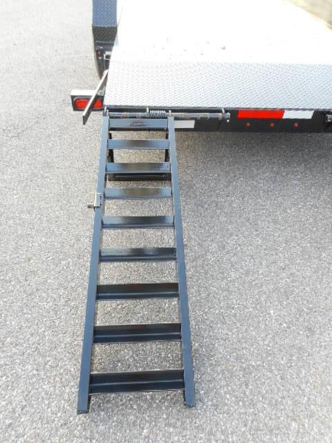 2018 Diamond C 20x82 REQ Equipment Trailer