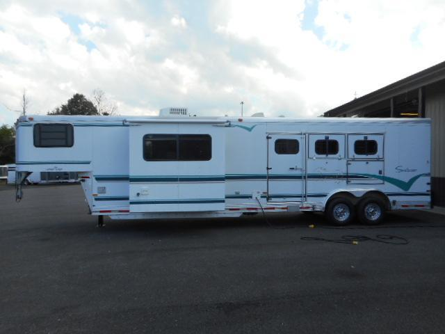 1997 Sundowner  3H Grand Sierra Horse Trailer