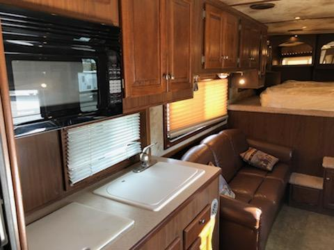 2006 Sundowner Trailers 8016 Signature Seris Horse Trailer