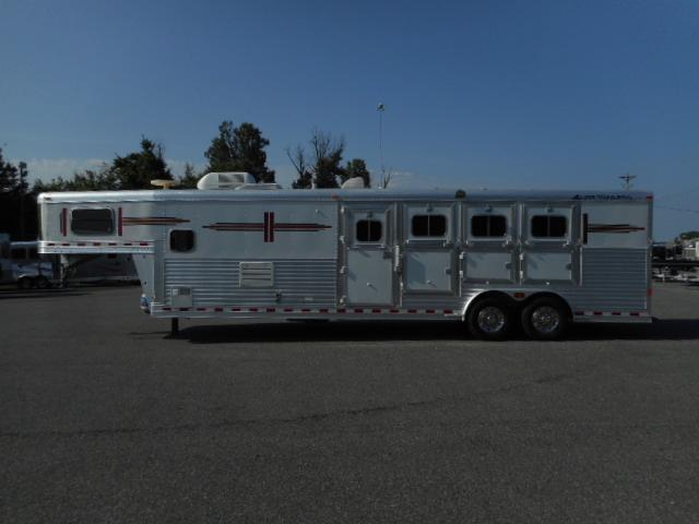 2006 Elite 8411 GN Horse Trailer