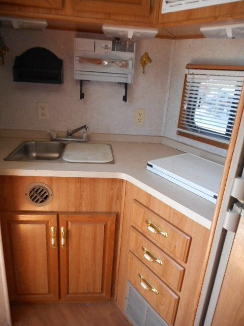 2000 Sundowner 3H Horse Trailer