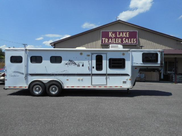 2000 Sundowner 3H Horse Trailer in Ashburn, VA