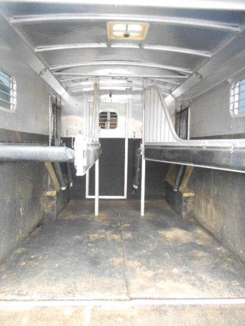 2002 4-Star Trailers 3H Horse Trailer