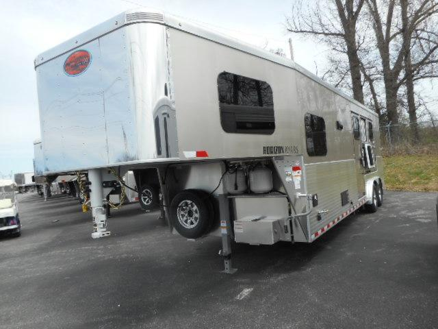2018 Sundowner Horizon 8010 3H Horse Trailer